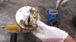 Diagnose Fuel Pump: Fuel Pressure Test